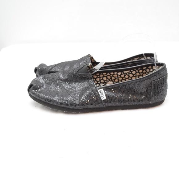 ff1d07be56fe Toms Slip On Classic Black Sequin Shoes 10. M_5cadde40d948a10a2c858a4b